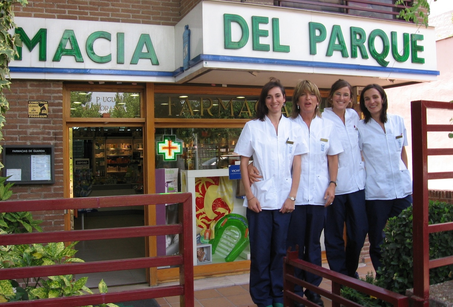 empleados de la farmacia